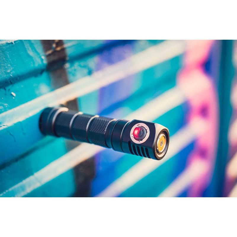 Skilhunt H03F RC is a small LED flashlight TIR