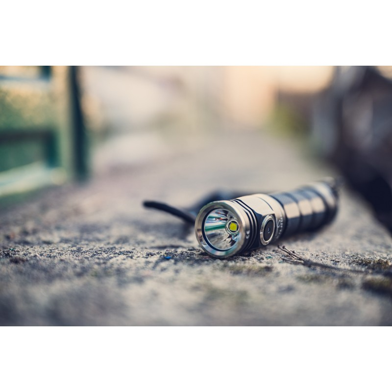 skilhunt-m200-hd-cw-flashlight